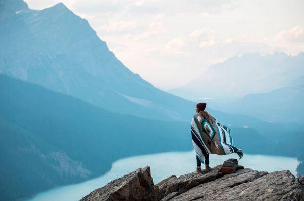 voyager-voyage-bien-etre-paysage-contemplation